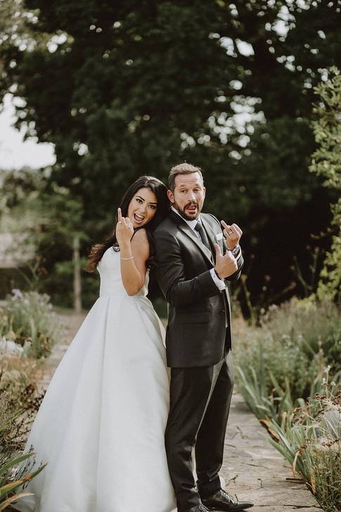 33_L&R_Wedding_Couple_Ring_Fingers_Up-mi