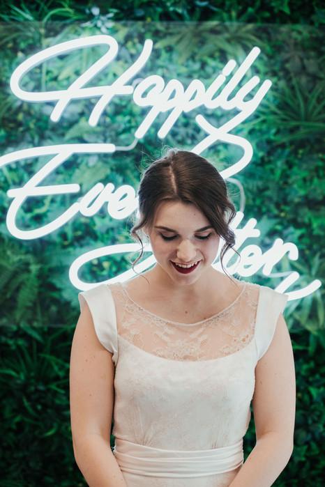1-Bride-Neon-White-Green-Modern-Light-Ai