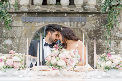 43_Regal_English_Wedding_Clearwell_Castl