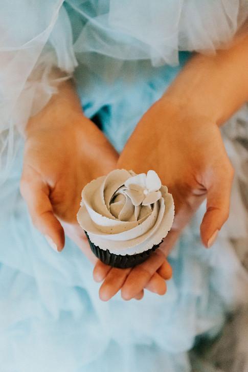 37-Cupcake-Blue-Boho-Modern-Gothic-Weddi