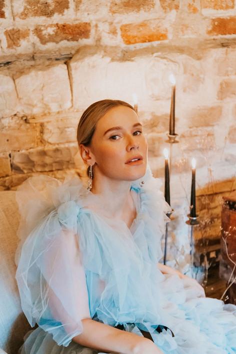 38-Bride-Sofa-Boho-Modern-Gothic-Wedding