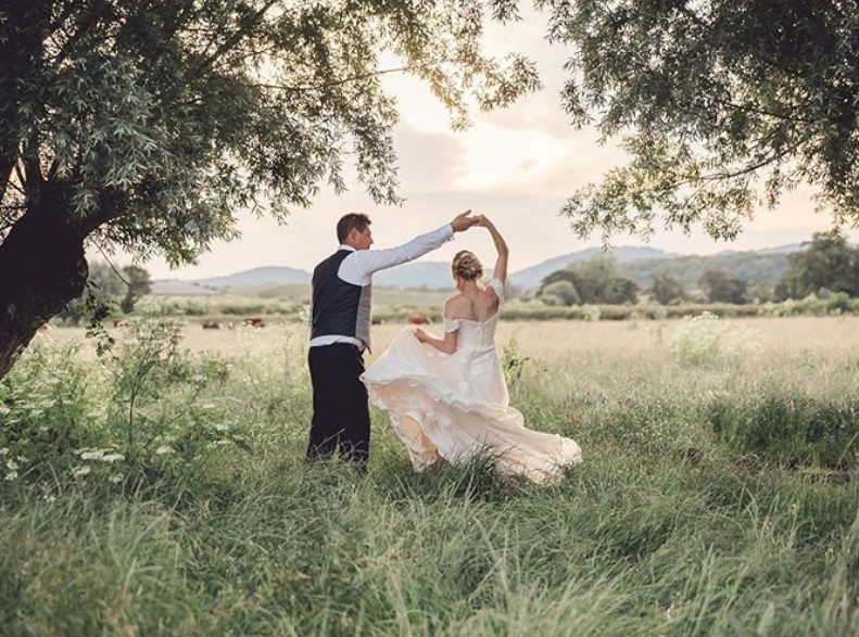 Photographer Wedding Planner Cotswolds