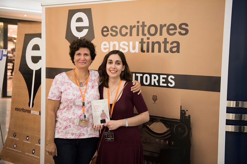 Con la autora, Fini Alacid