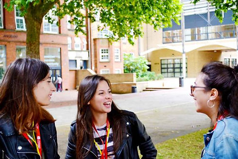 Students-relaxing-at-Hackney-Community-C