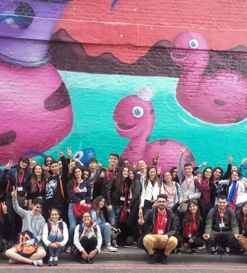 Street art tour 2-min.jpg
