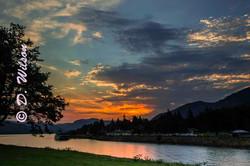 Sunrise on the Columbia River gorge1