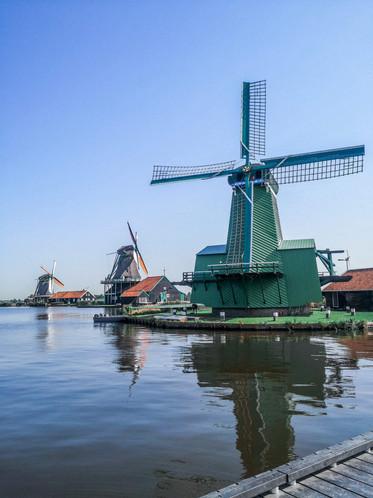 Vila dos moinhos perto de Amsterdam