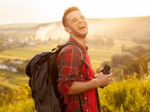 Viajar sozinho: confira os benefícios