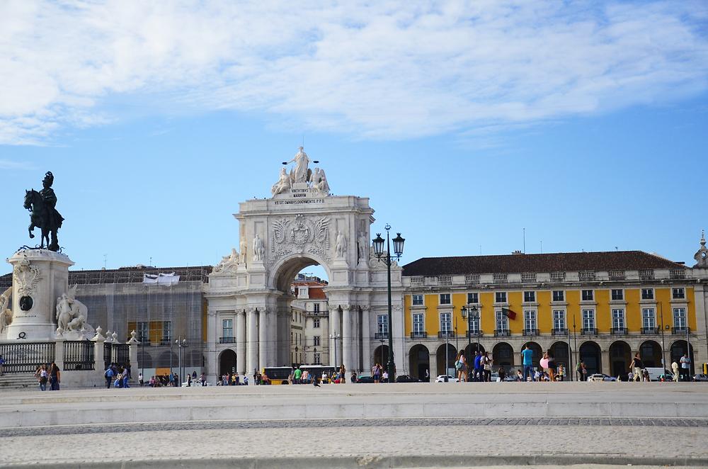 Praça do Comércio com o Arco da Rua Augusta - Roteiro de Lisboa