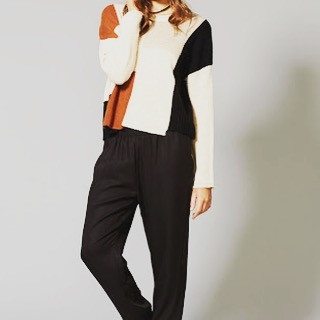 Love love the colour combo in this knit,