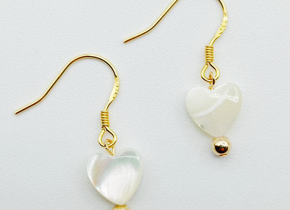 Boucles d'oreilles plaqué or - coeur de nacre
