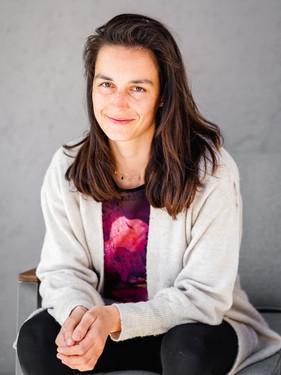 Laura Ellecosta