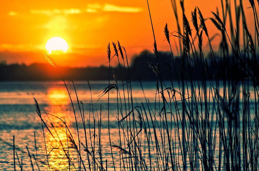 lake-696098_1920.jpg