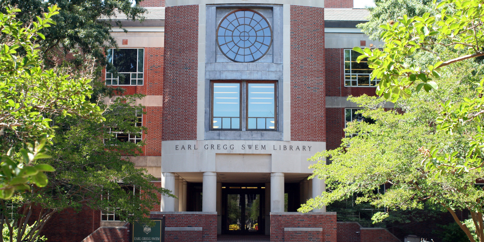 Earl Gregg SWEM Library, College of William and Mary - Williamsburg, Virginia