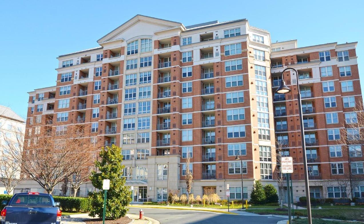 Mercer Condominiums, Reston Square - Reston, VA