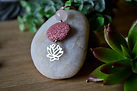 collier-quartz rose-rond-rose-fleur de l