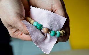 bracelet olfactif agate verte fleur lotus pierre naturelle vanessa lepart le boudoir aromatique montesson yvelines
