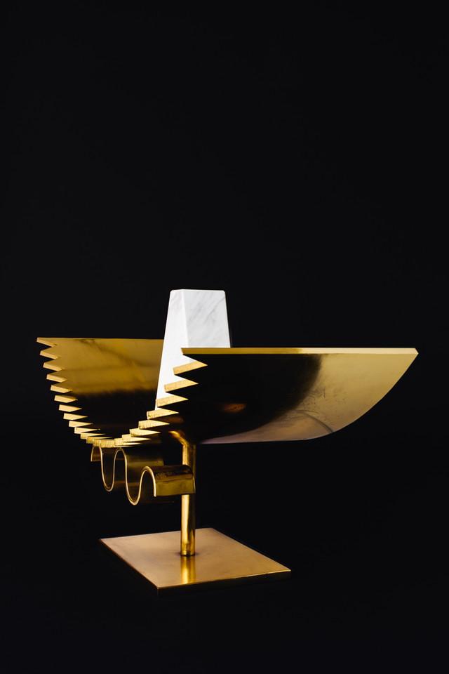 Lekker Hour Glass Sculpture