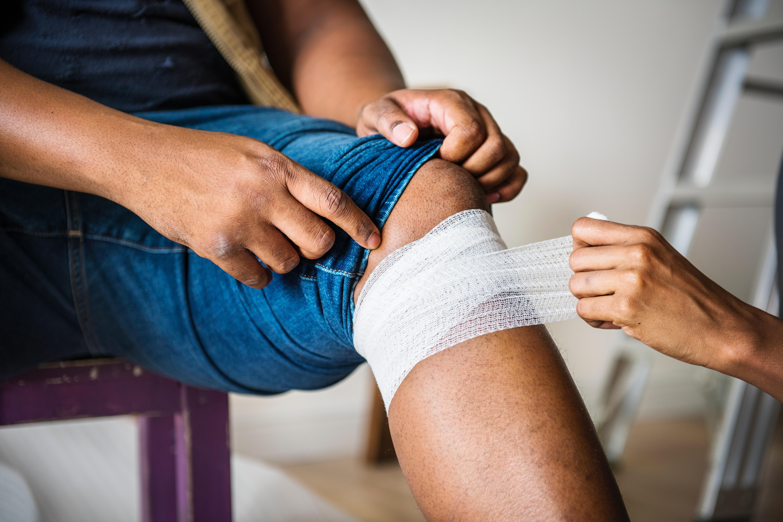 aid-bandage-care-1385747