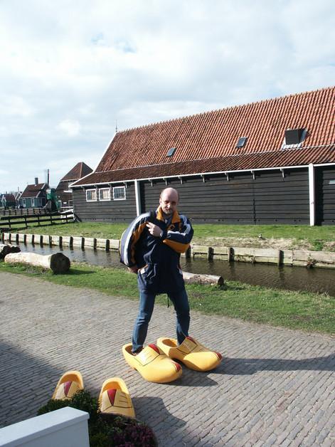 Репетитор по английскому шагает по Голландии.