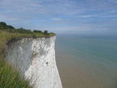 white-cliffs-955871_640.jpg
