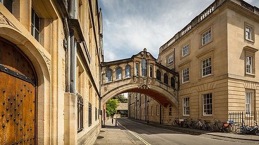 university-of-oxford-3508598_640.jpg