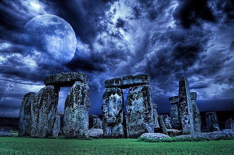 stonehenge-3402627_640.jpg