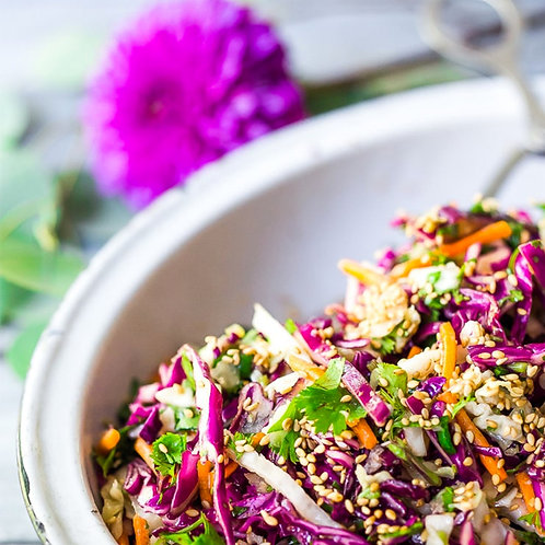CRISPY ASIAN SLAW WITH TOASTED SESAME SEEDS AND MISO DRESSING - FOR 4 PEOPLE
