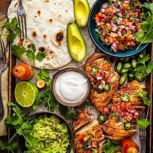 MEXICAN STYLE SHARING PLATTER WITH CHICKEN - FOR 6 PEOPLE