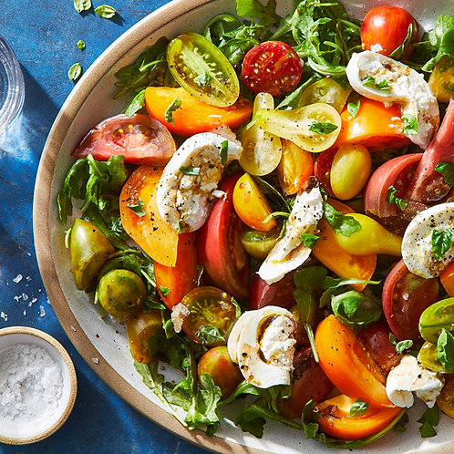 CLASSIC CAPRESE SALAD WITH HEIRLOOM TOMATOES - FOR 4 PEOPLE