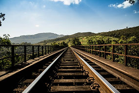 railroad-bridge-336545_1920.jpg