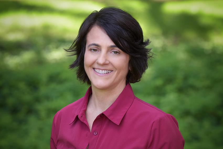 Dr. Heidi Iratcabal