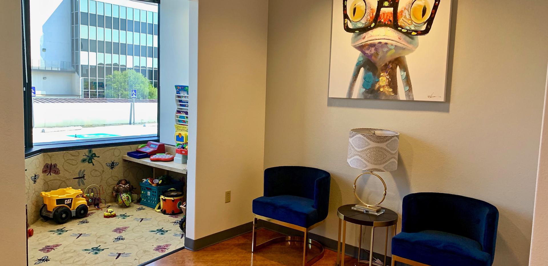 central-dentist-waiting-room-kids-area.j