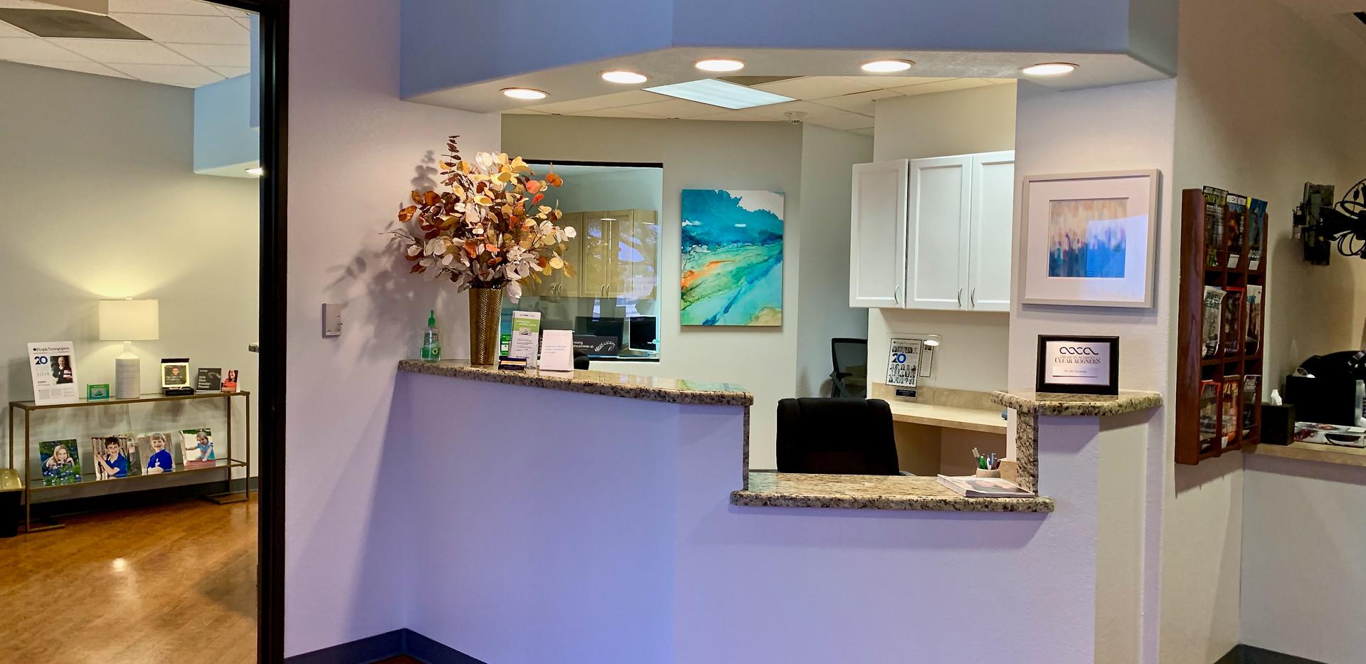 central-dentist-front-desk.jpeg