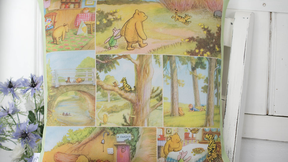 Winnie the Pooh Classic Colour Cushion