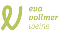 Eva Vollmer in der Weingarage