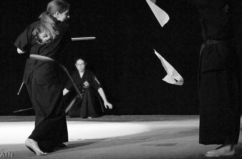 Haidong Gumdo - Démonstration coupe de papier