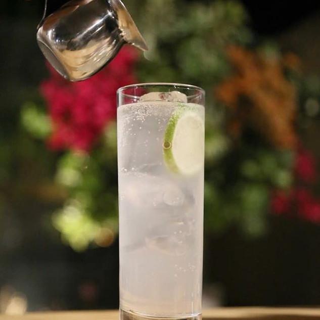 Esse calor tá pedindo nosso drink mais r