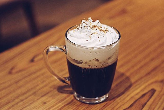 Esta noite tá pedindo um Irish Coffee! #