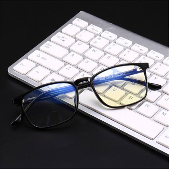 blue light glasses.jpg