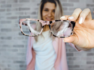 How to Tell if You Need New Eyeglasses