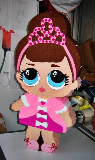 Piñata Muñeca