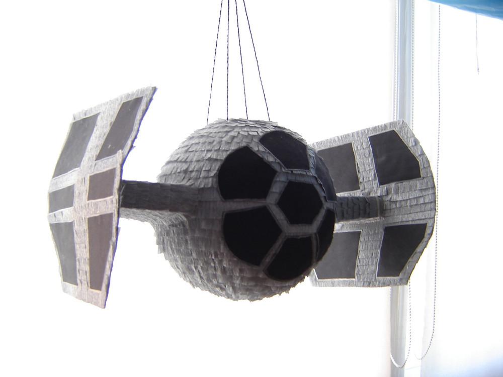 Piñata nave de Star Wars