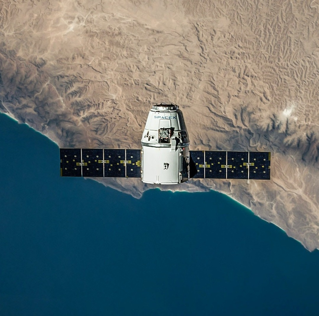 aerial-view-earth-exploration-flying-601