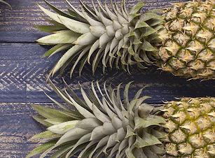 Pineapplehands.jpeg