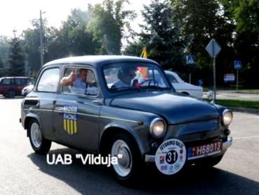 UAB Vilduja kolegos matavo būsimą GIPL trasą. Veisiejuose - istorinių automobilių ir motociklų ralis