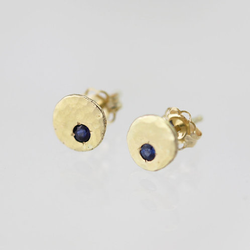 Hammered Chunk Studs with Sapphire in 14ky Gold xs