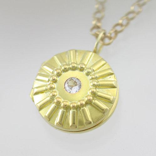 Sunburst Locket in 14ky Gold (Sm.)