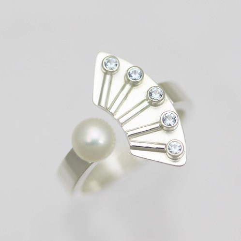Striped with Stones Split Ring and Pearl in Sterling Silver