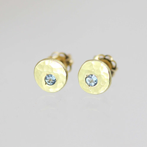 Hammered Chunk Studs with Aquamarine in 14k Yellow Gold xs